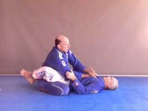 Relaxed posture inside closed guard